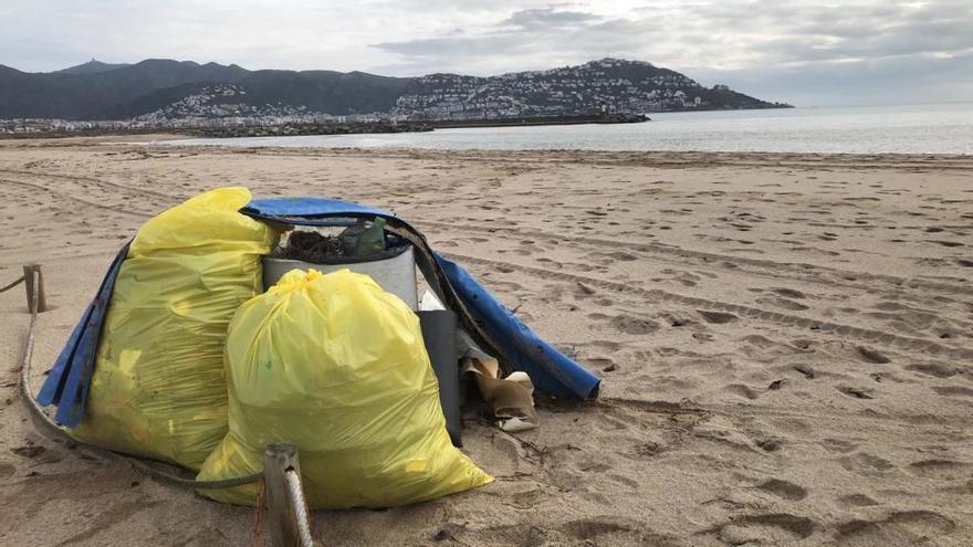 L'Ajuntament de Castelló proposa una jornada d'endreça a la platja de la Rubina