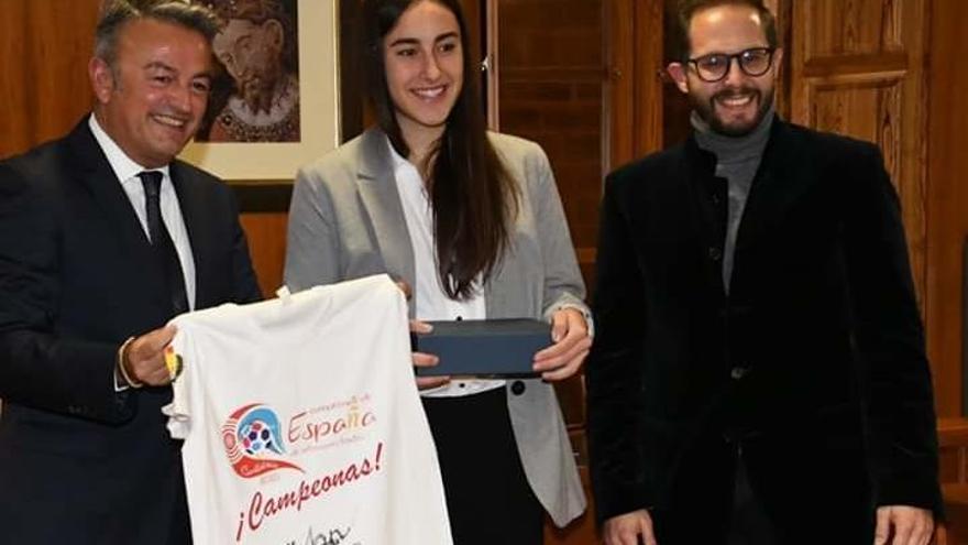 María Cardona, campeona de España de balonmano y orgullo del deporte xabienc
