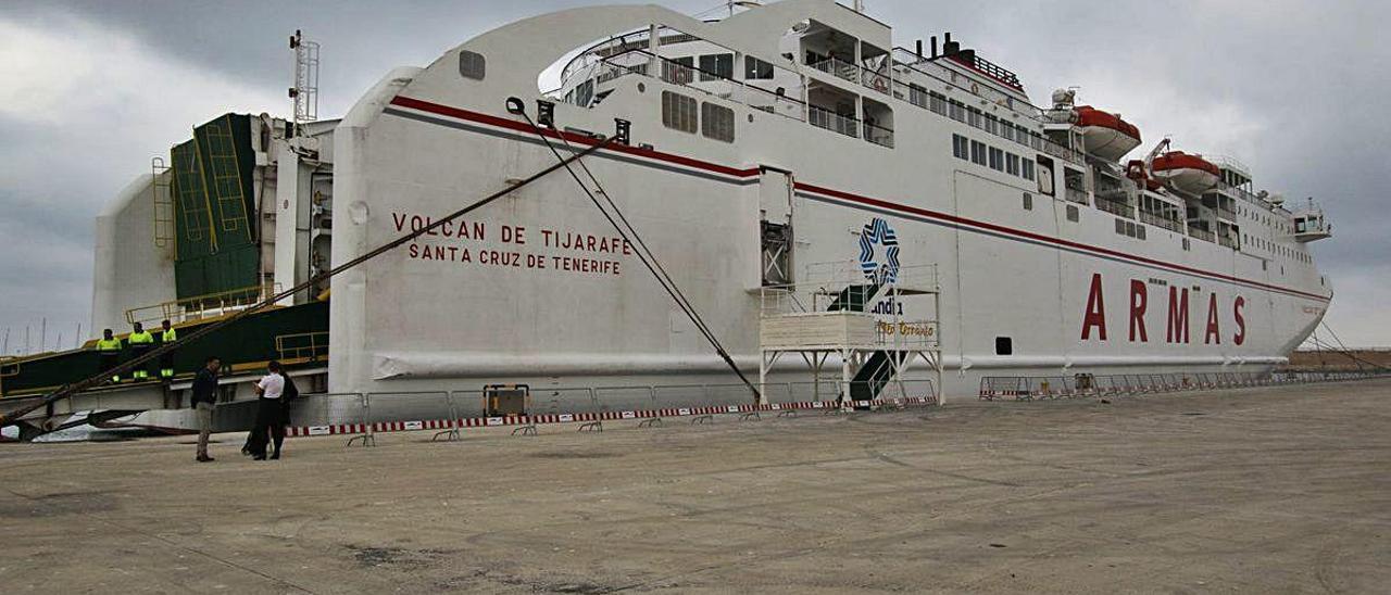La falta de demanda obliga a cancelar la conexión entre Gandia y Baleares