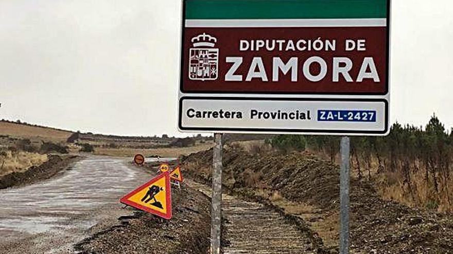 Estado actual de las obras en la vía de acceso a Fradellos.