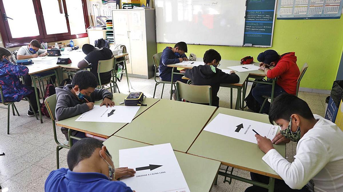 Alumnes en una escola de Girona, el curs passat.