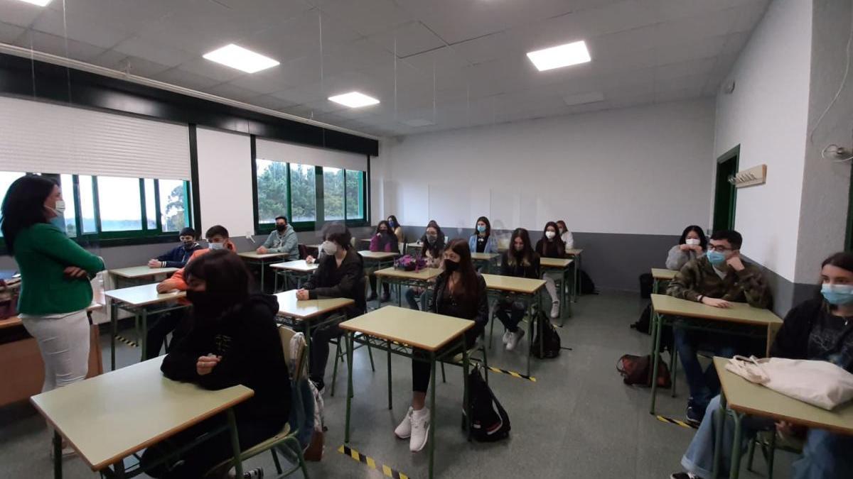 Aula de primero de Bachillerato del IES Valadares. // B. M.