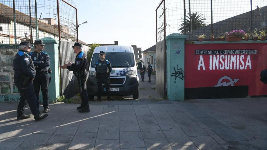 La policía de A Coruña recupera la Comandancia sin okupas
