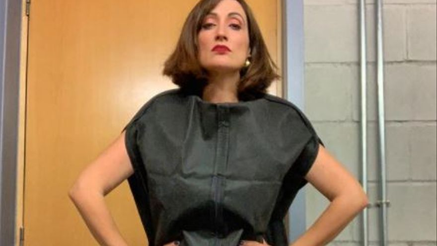 Por qué Ana Morgade vistió un portatrajes en la alfombra roja