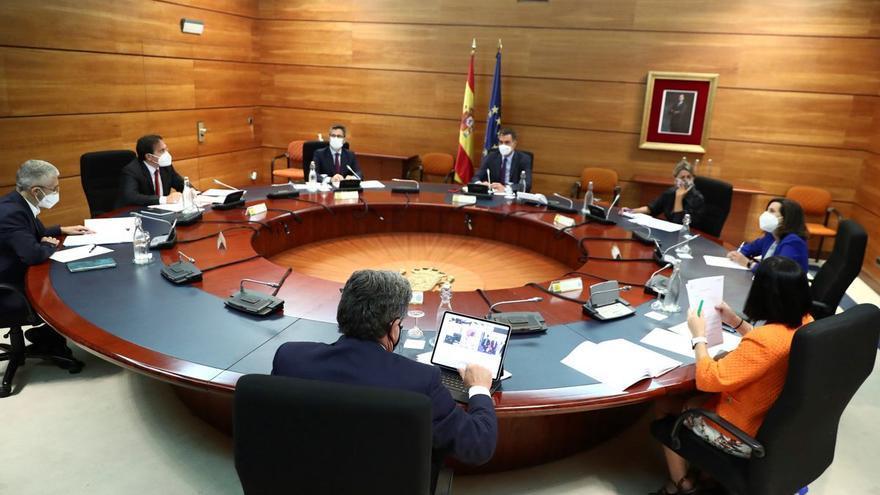 Sánchez reordena su agenda y se propone pisar más el territorio