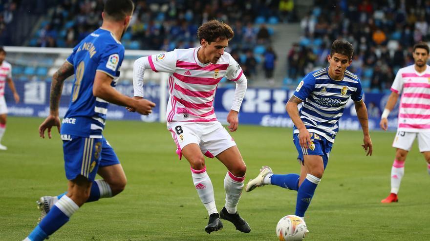 El Oviedo gana en Ponferrada y Ziganda coge aire: la crónica del partido