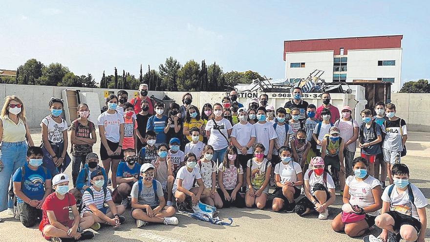 Cien alumnos del Colegio del Rosario visitan el ecoparque de Torre Pacheco