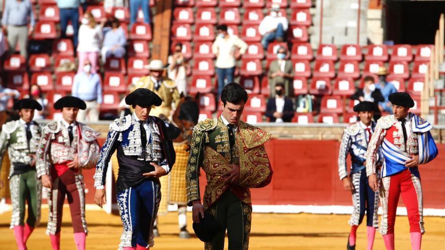Ovación  y vuelta al ruedo tras petición de oreja para el cordobés Javier Moreno 'Lagartijo'
