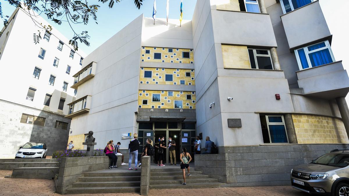 Detenidos del caso del taxista de Teror en los Juzgados de Arucas