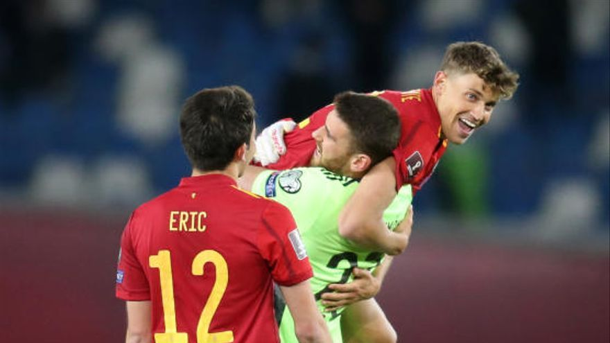 España reacciona a tiempo para remontar ante Georgia