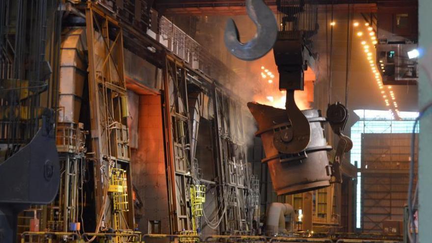 Arcelor está dispuesta a aplicar de modo unilateral el ajuste en las plantas de Gijón