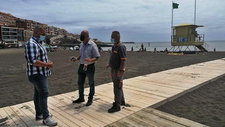 Las playas con bandera azul de Telde cuentan con nuevas pasarelas