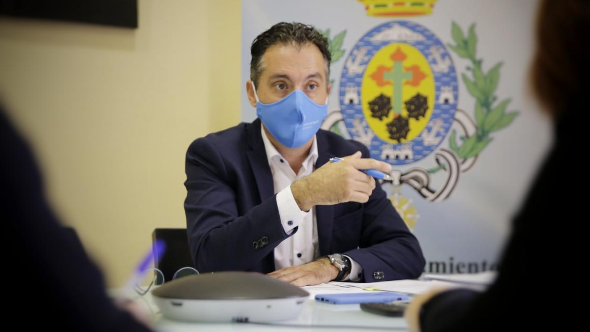 Carlos Tarife, concejal de Bienestar Animal en Santa Cruz.