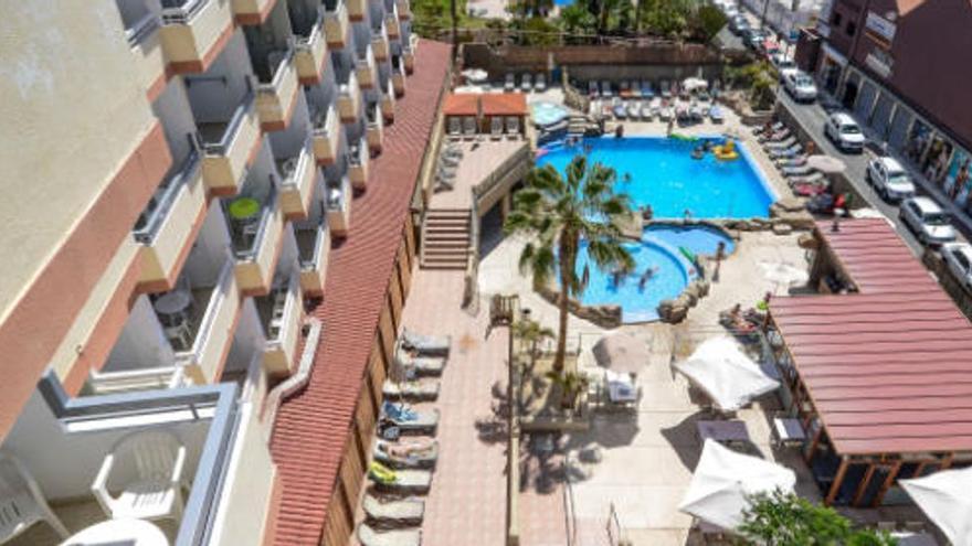 Las pernoctaciones hoteleras en Canarias caen un 80,4% en marzo