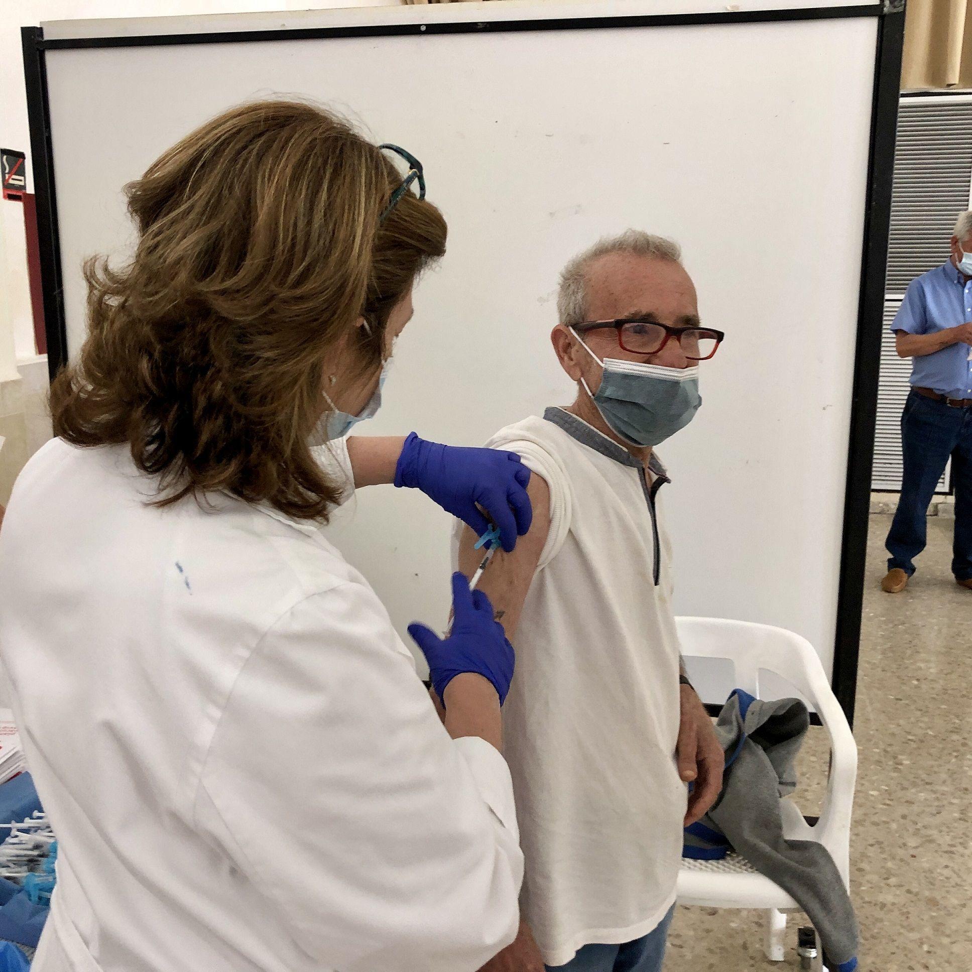 Sanitat activa los nuevos 'vacunódromos' en los municipios de Castellón
