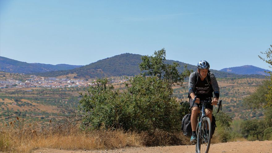 La 2 de RTVE promociona Monesterio y su jamón en su nuevo documental 'Diario de un ciclista'