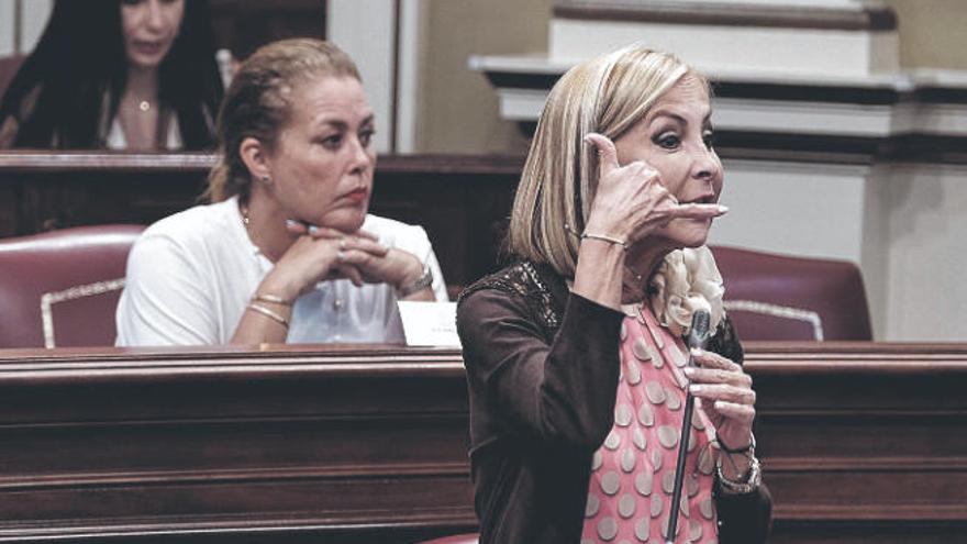 Movimiento de ajedrez de Casado para fortalecer a Navarro en el PP