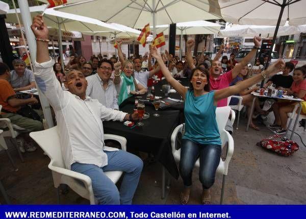 CASTELLÓN SUFRE Y DISFRUTA CON LA 'ROJA'