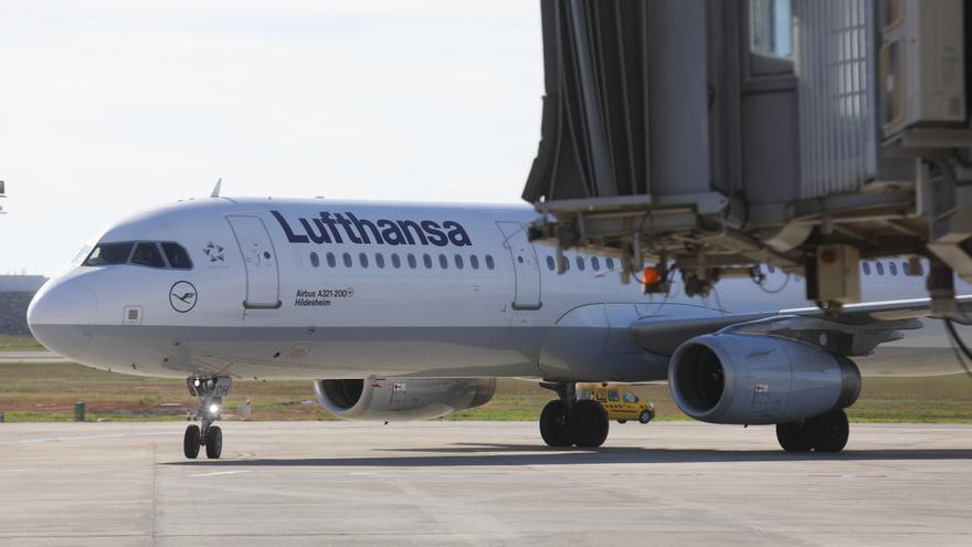 Lufthansa pierde 6.725 millones en 2020 afectada por el coronavirus