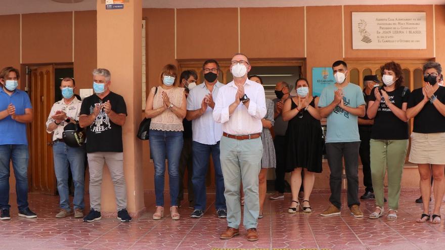 Minuto de silencio en El Campello por el asesinato de las niñas de Tenerife