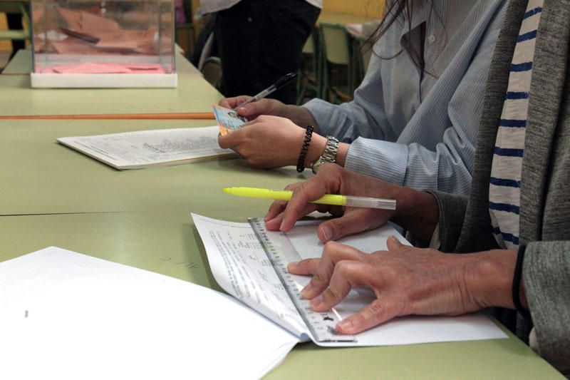 Los valencianos votan en las elecciones autonómicas 2019