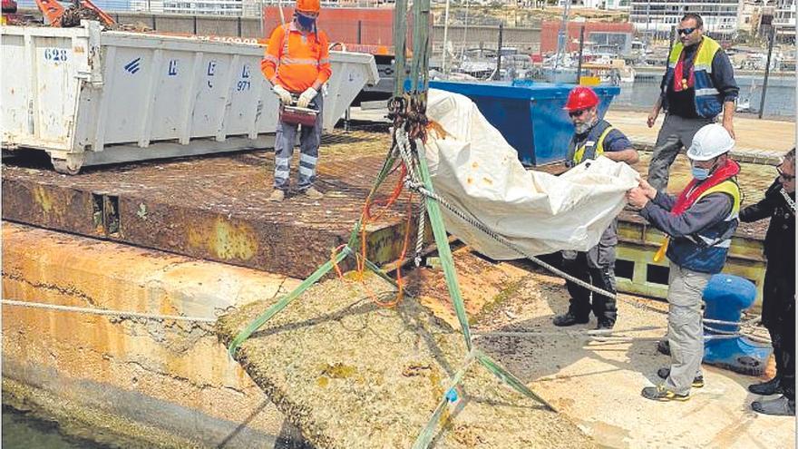 Retirados 32.000 kilos de residuos de la bahía de Portmany