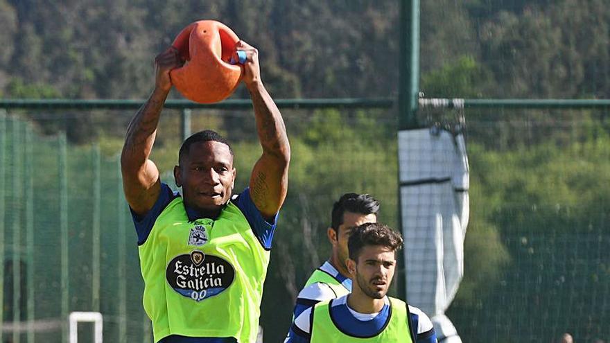 Claudio Beauvue no seguirá en el Deportivo