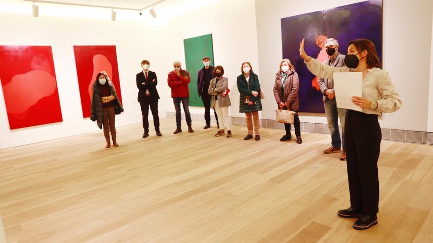 Éxito de la visita guiada organizada por LA NUEVA ESPAÑA a la exposición de Sanjurjo