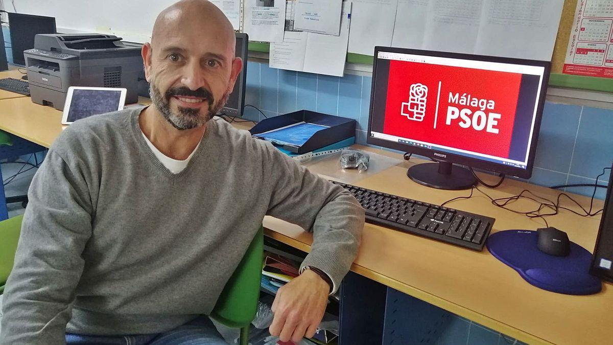 Javier Salas, en una imagen reciente en la agrupación socialista de la Carretera de Cádiz
