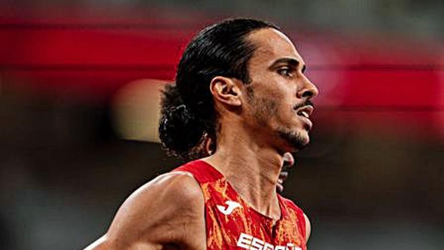 Mula recibe a Mohamed Katir tras su paso por los Juegos Olímpicos de Tokio