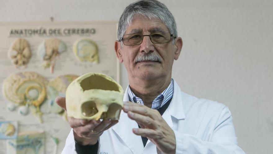 Pedro Moreno: «El trasplante de cabeza quizás se logre a nivel técnico, pero jamás podremos cambiar el dilema ético que implica»