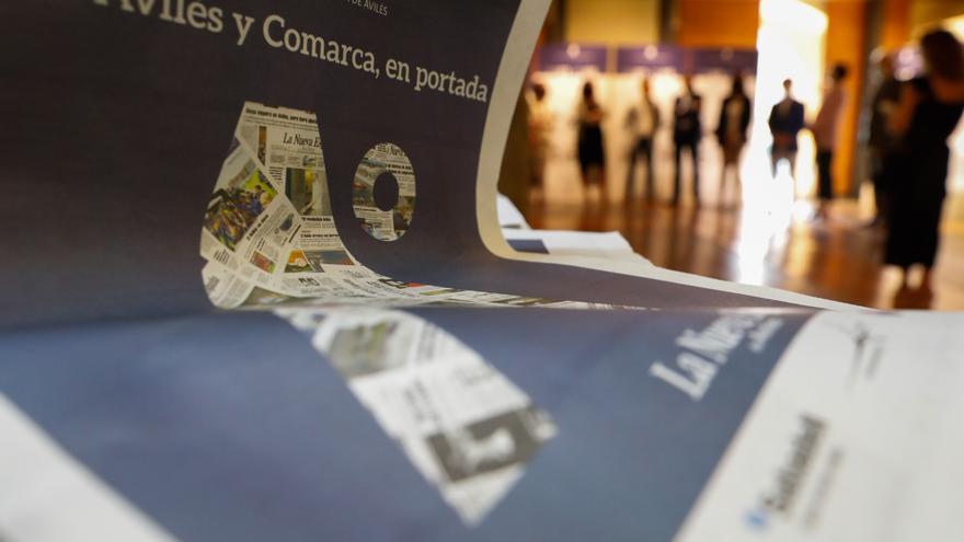 Tres décadas en portada: LA NUEVA ESPAÑA de Avilés celebra su aniversario con una exposición que repasa los principales acontecimientos desde 1991 en la comarca