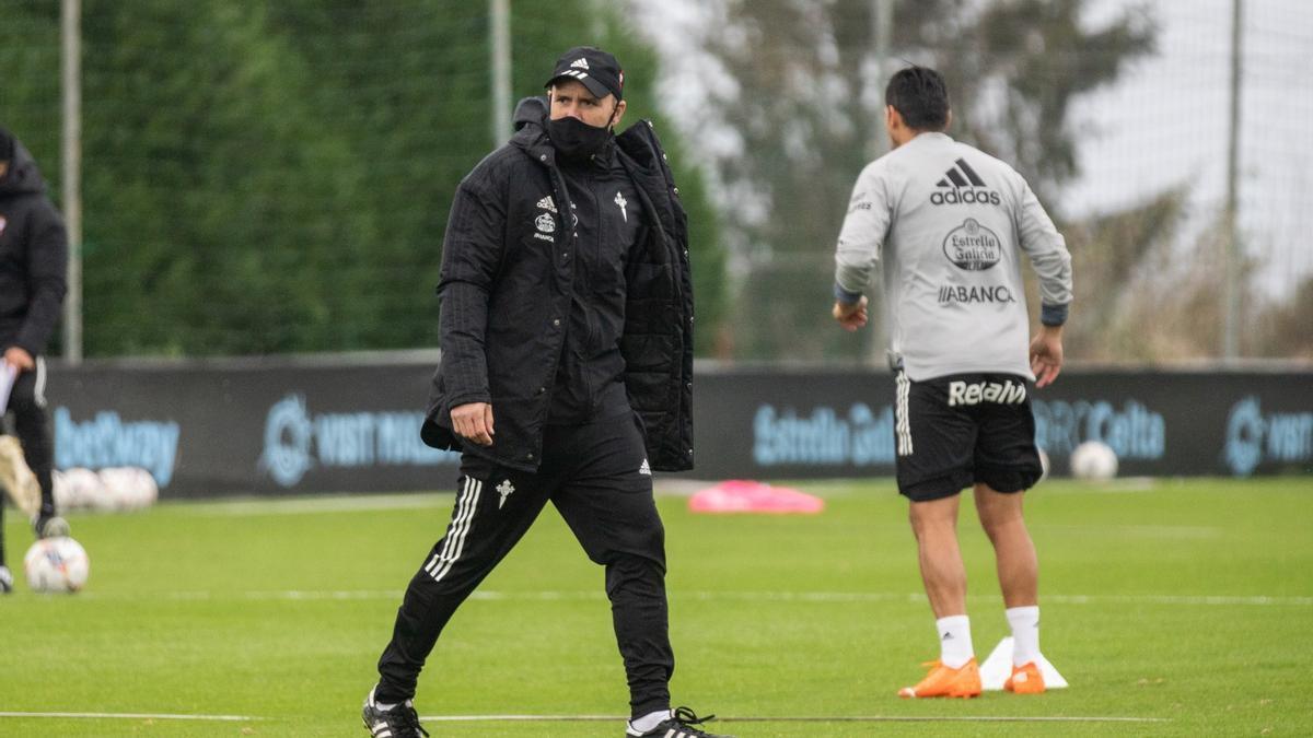 Eduardo Coudet durante un entrenamiento con el Celta