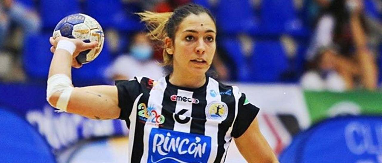 Estela Doiro, durante un partido con el Rincón Fertilidad Málaga. |  // LA OPINIÓN DE MÁLAGA