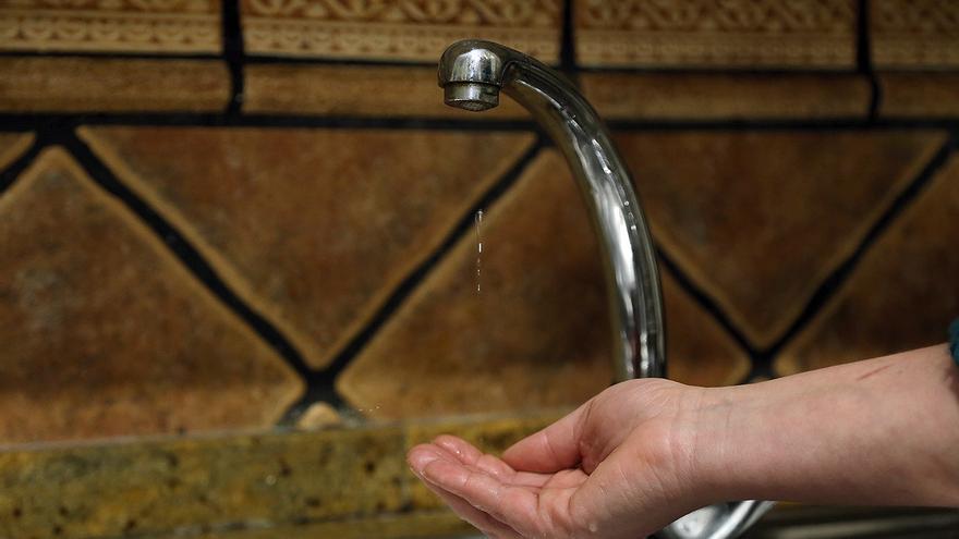 Unas obras obligan a cortar este jueves el agua en la zona del Madroño en Montilla