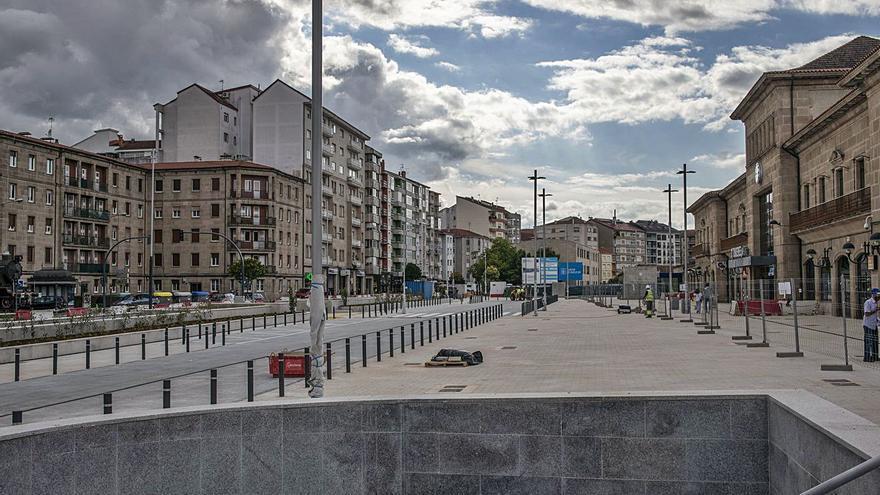 El nuevo parking de la intermodal libera la plaza de la estación para los peatones