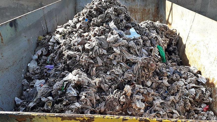 Les tovalloletes humides cada vegada causen més problemes a Manresa