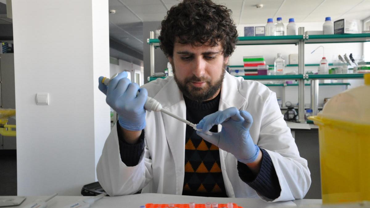 El investigador del Hospital de Elche que ha sido subvencionado, Antonio Galiana