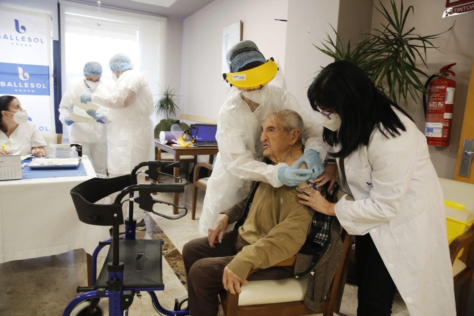 Vacunación en la residencia de mayores Ballesol