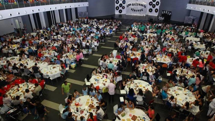 Cena popular de la gestora de gaiates en las Fiestas de San Cristóbal