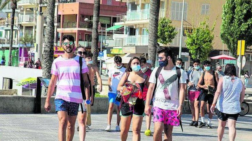 Perillen els viatges d'estudis: el govern central demana suspendre'ls per l'aparició de nous brots de covid