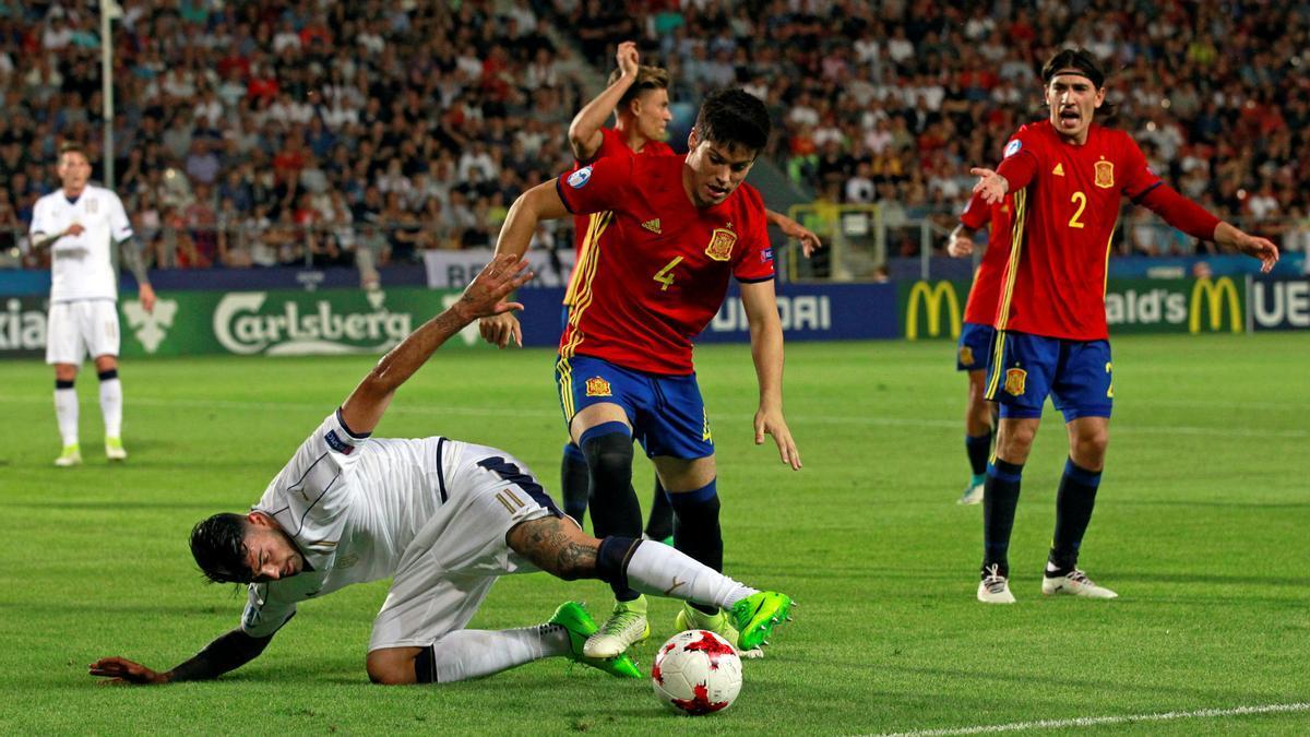 Jorge Meré, en un partido con España sub-21.