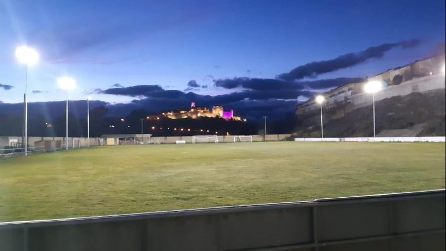 Puebla de Sanabria invierte 26.424 euros en el alumbrado del campo de fútbol