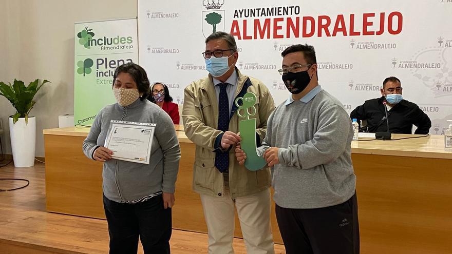 Un proyecto activa la autonomía de usuarios de Includes Almendralejo