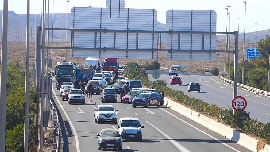 """La Subdelegación llama """"desleal"""" al edil de Seguridad de Alicante por el operativo del cierre perimetral en la A-70"""