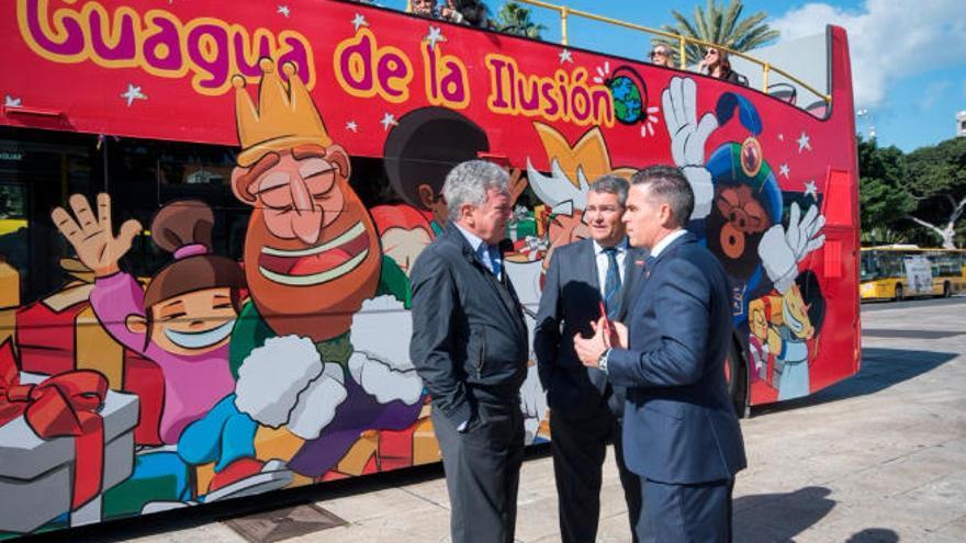 Turismo pone en marcha  la campaña solidaria de  'La Guagua de la Ilusión'