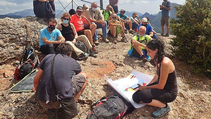 Una trentena de persones descobreix la geologia  de la vall de Lord
