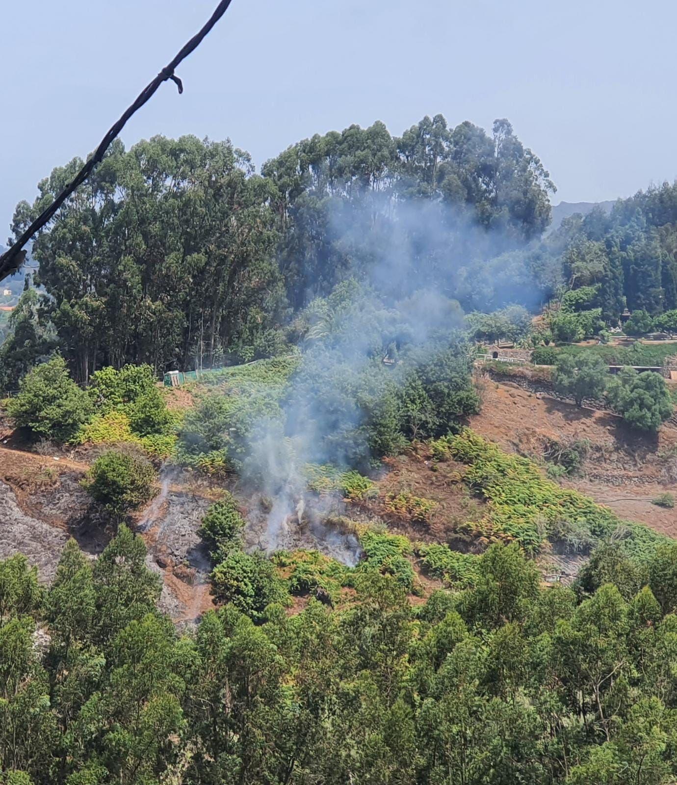 Incendio en Montaña Alta en Guía (29/07/2021)