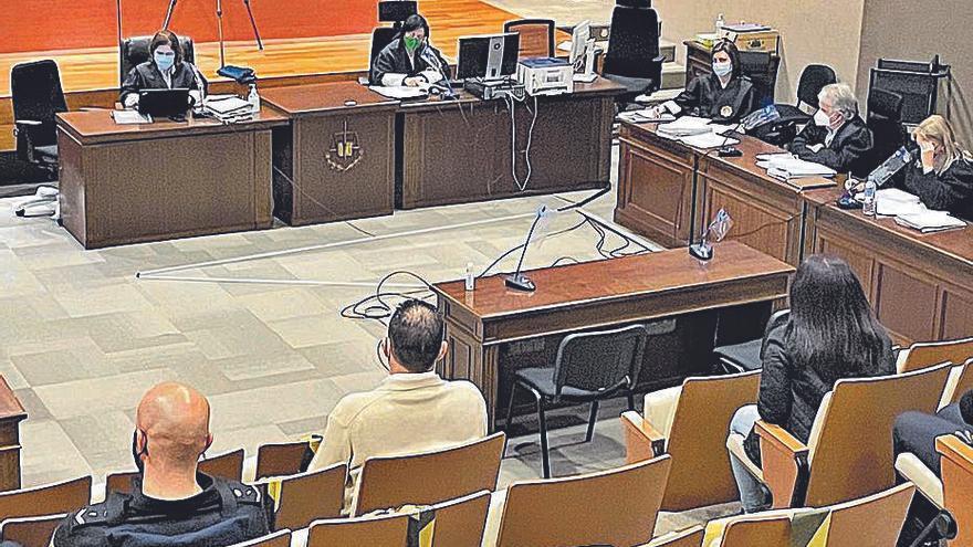 """Un acusado admite en el juicio que mató a su expareja y se califica de """"diablo"""""""