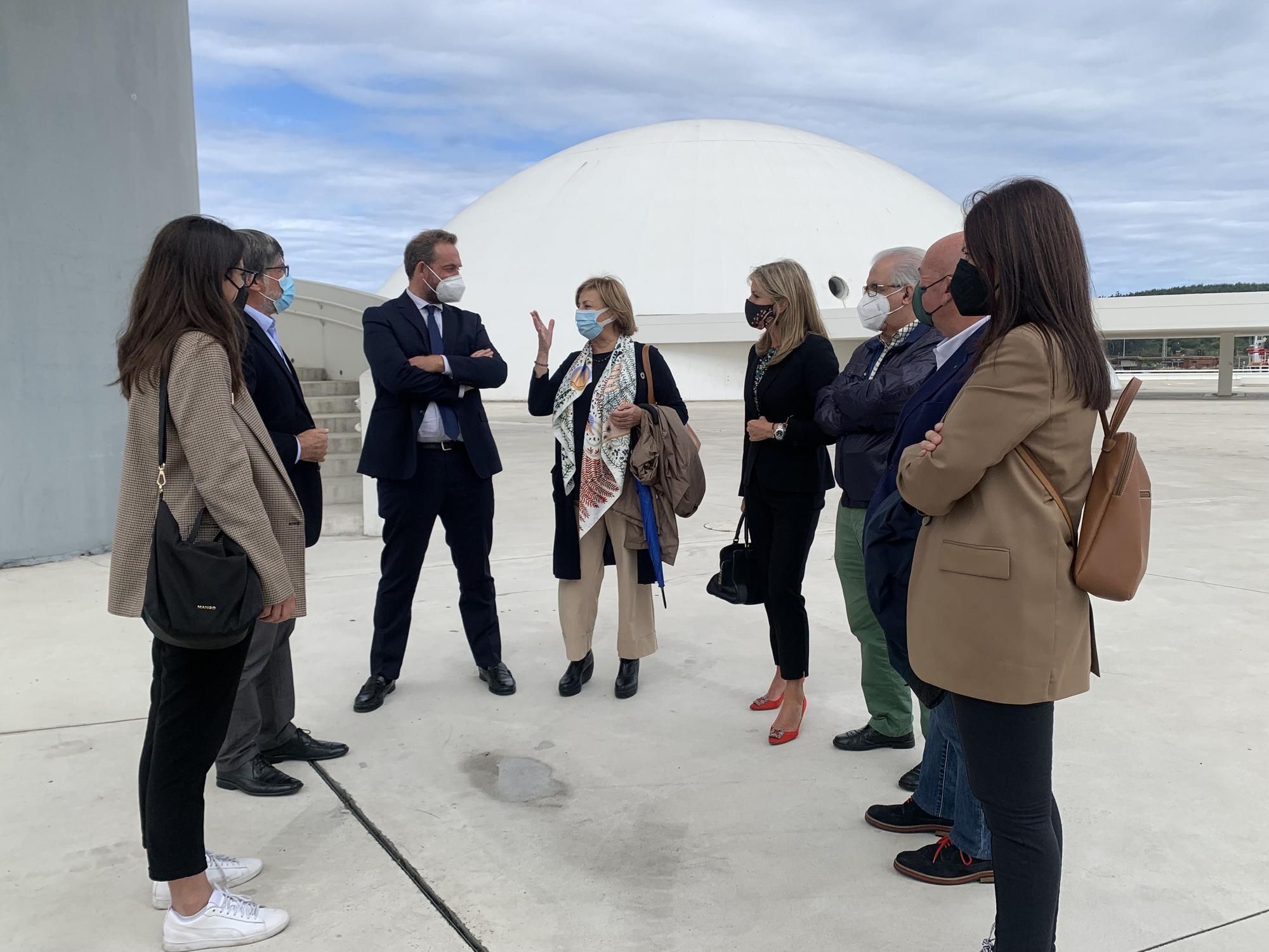 Secretario de Estado de Turismo en el Niemeyer 1.jpg